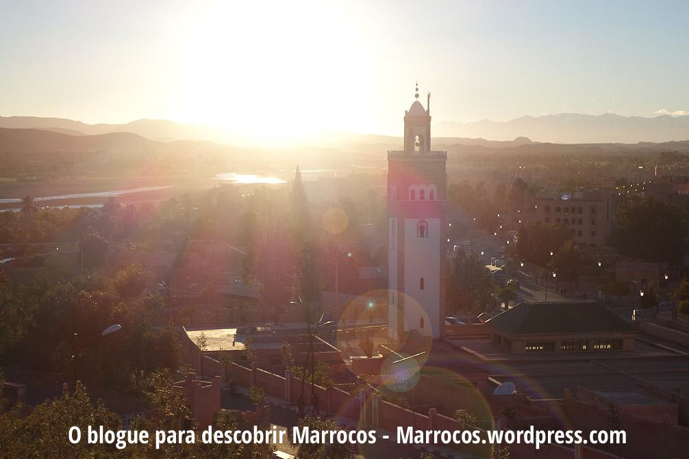 Pôr-do-Sol em Ouarzazate na Grande Mesquita do centro da cidade