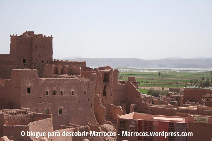 Vista de Ouarzazate e do rio
